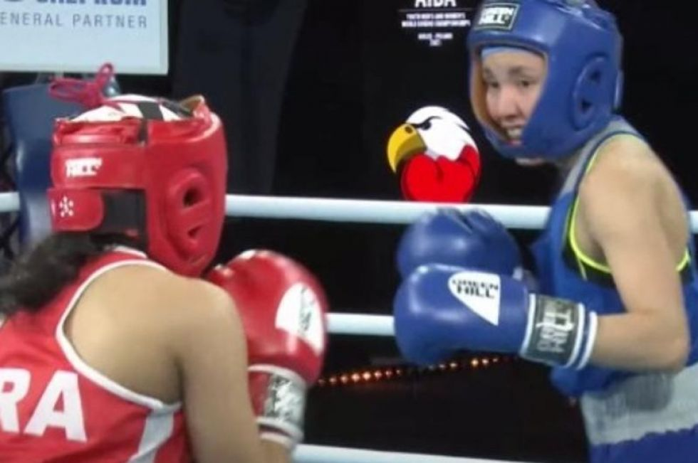 Kazakhstani female boxer KOs French champ at AIBA Youth World Boxing Championships